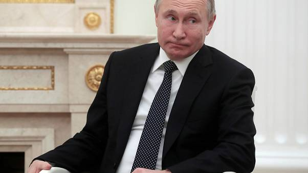 Vladimir Putin visita a Sérvia