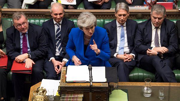 İngiltere'de hükümet parlamentodan güvenoyu aldı