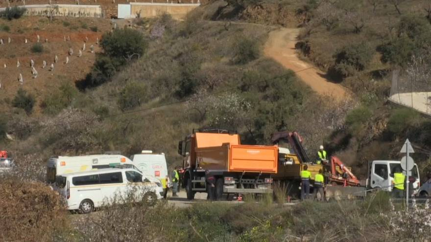 Encuentran restos biológicos del menor caído a un pozo en Málaga