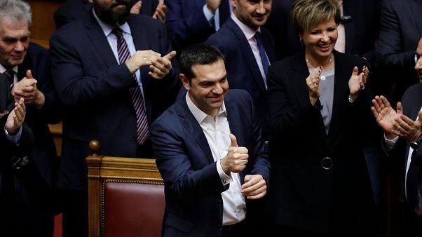 Yunan Başbakan Çipras 8'inci güven oylamasında da başarılı çıktı