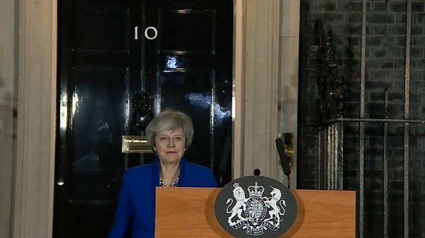 May dá novos passos rumo ao Brexit