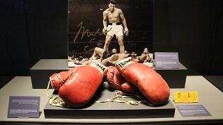Muhammed Ali'nin boks eldivenleri