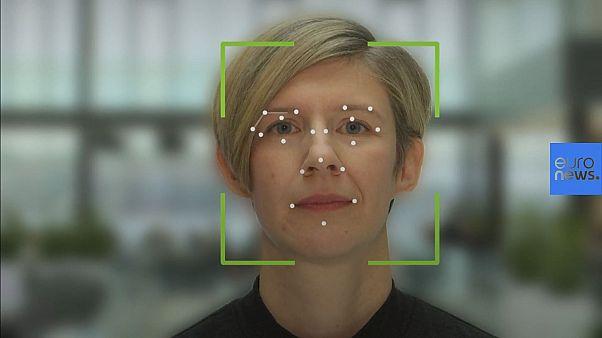 Технология распознавания лиц сменила перекличку в шведской школе