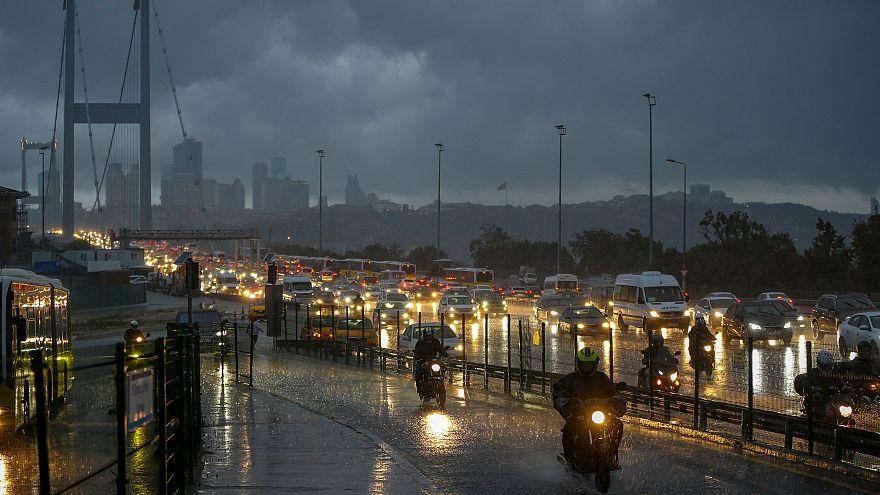 İstanbul trafikte en fazla zaman kaybedilen şehirler arasında