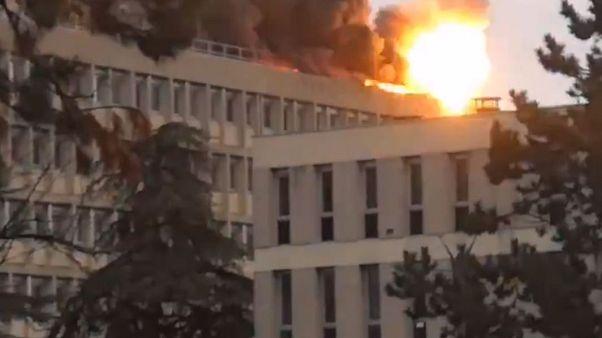 Incendio all'università di Lione per lo scoppio di tre bombole di gas