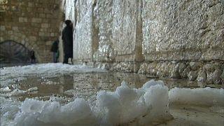 Premiers flocons de neige de la saison à Jérusalem
