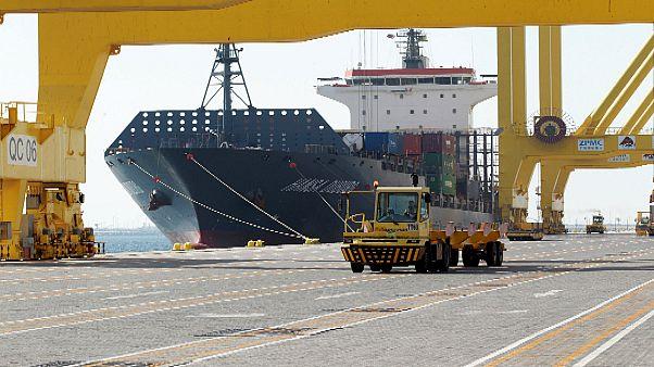 سفينة بضائع في ميناء حمد في الدوحة