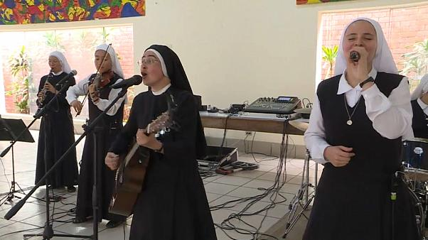 Rock and roll nuns hope to make the Pope dance in Panama