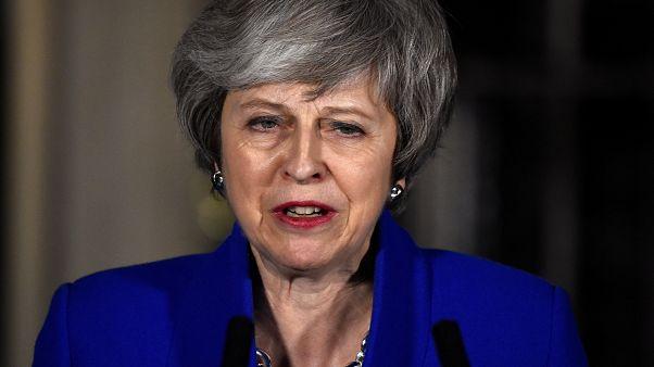 """May à procura do """"plano B"""" para o Brexit"""