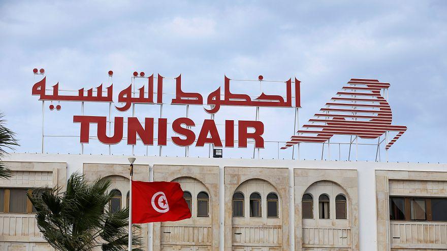 إضراب عام في تونس يشل حركة الطيران والنقل العام بالبلاد