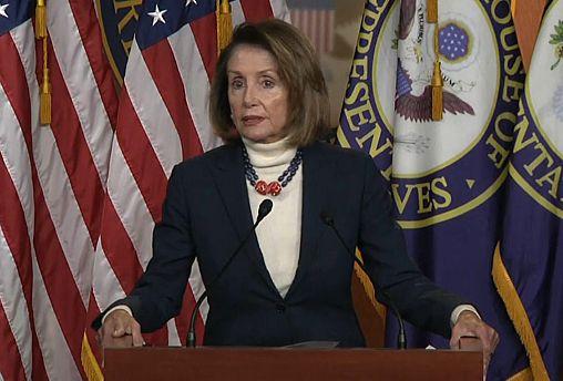 """Shutdown"" : Donald Trump prive de voyage son adversaire, Nancy Pelosi"