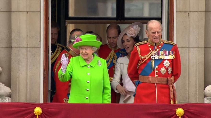 دوق أدنبرة الأمير فيليب يتعرض لحادث مرور أثناء قيادة سيارته