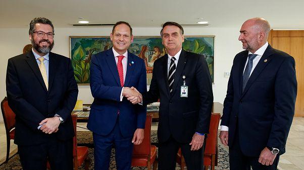 Bolsonaro recebe membros exilados da oposição venezuelana