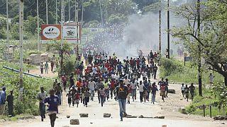 سرکوب خشونت بار معترضان در زیمبابوه؛ ۱۶ کشته و صدها زخمی