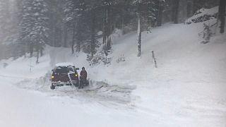 Gran tormenta de nieve en SIerra Nevada (California)