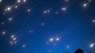 Havai fişeğe alternatif: Japonlar yapay meteor yağmuru için uzaya uydu gönderdi