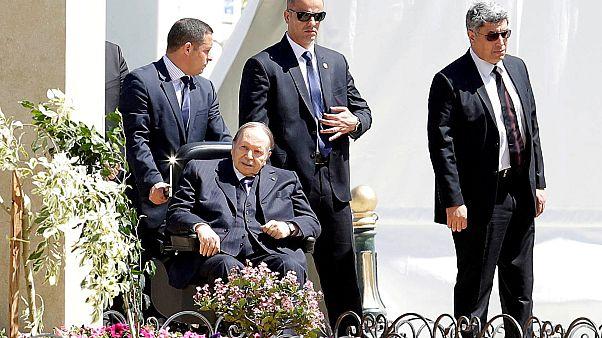بوتفليقة يحدد يوم 18 نيسان المقبل موعداً للإنتخابات الرئاسية.. فهل يترشح الرئيس؟