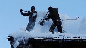 Egy zárda is a hó fogságában Ausztriában