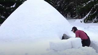 Carpenter builts achieves his dream of building a lifesize igloo