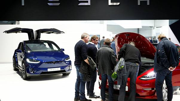 Tesla: Μειώνει το εργατικό δυναμικό της κατά 7%