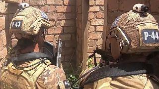Video   Portekiz askerlerinin savaş oyunlarını aratmayan 50 saatlik operasyonu