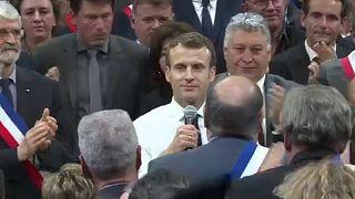 Дебаты во время протестов: как Франция справляется с кризисом