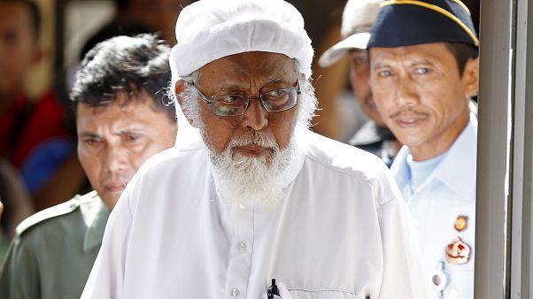 إندونيسيا تطلق سراح رجل الدين أبو بكر باعشير العقل المدبر لتفجيرات بالي