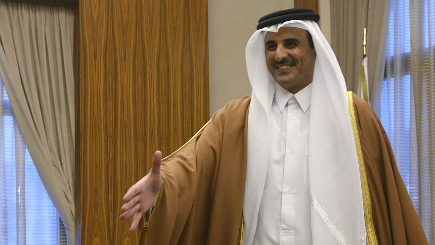 أمير قطر سيحضر القمة العربية في بيروت