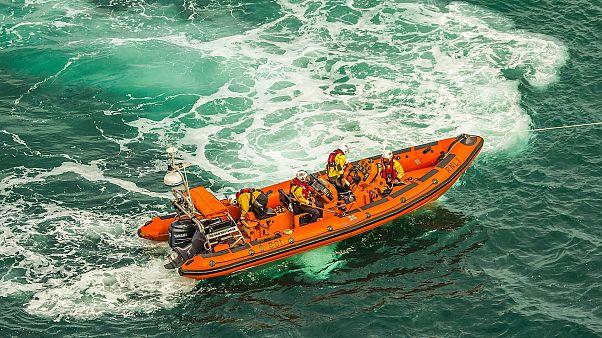 مقتل ثلاثة مهاجرين و فقدان 177 في عرض البحر المتوسط