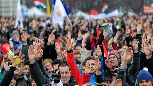 تظاهرات چند هزار نفری مخالفان دولت مجارستان در بوداپست