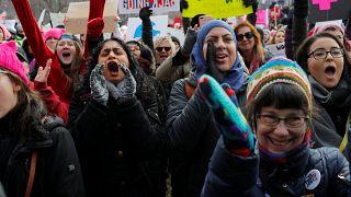 Etats-Unis : les femmes marchent contre Donald Trump