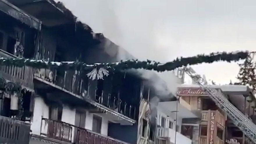 شاهد: مقتل 2 وإصابة 20 في حريق بمنتجع كورشوفيل للتزلج بفرنسا