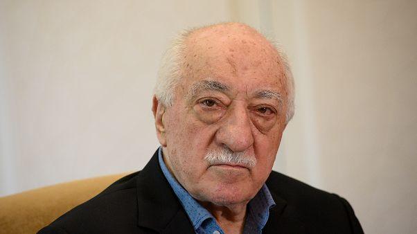 موظف بالقنصلية الأمريكية في تركيا يواجه اتهامات بشأن علاقته بغولن