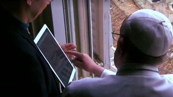 Papa ceplere girdi: Bir aplikasyon kadar uzak