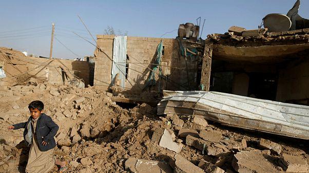 ائتلاف تحت رهبری عربستان چند پایگاه نظامی در صنعا را بمباران کرد