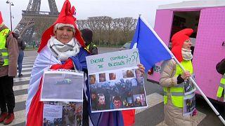 Las mujeres 'chalecos amarillos' protestan en París