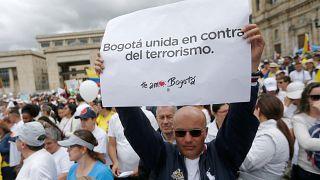 Les Colombiens unis contre la terreur, l'ELN revendique l'attentat