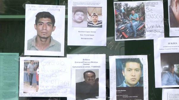Temetik a mexikói vezetékrobbanás áldozatait