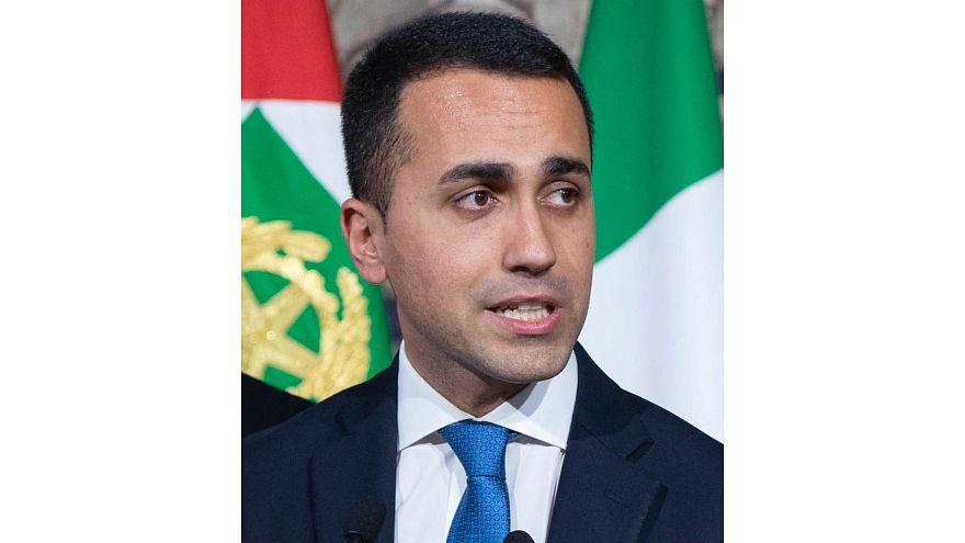 مسؤول إيطالي يطالب الاتحاد الأوروبي بفرض عقوبات على فرنسا