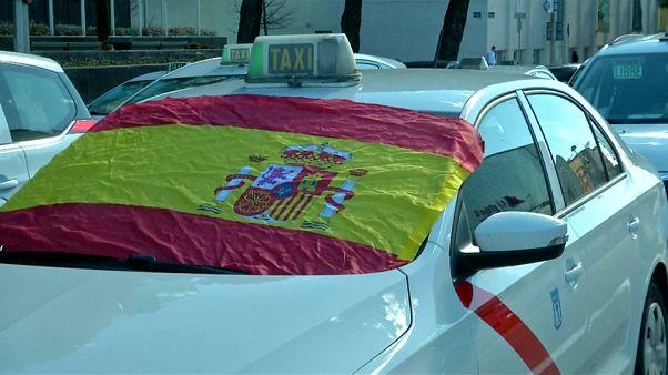 Huelga indefinida de taxistas en Madrid y Barcelona