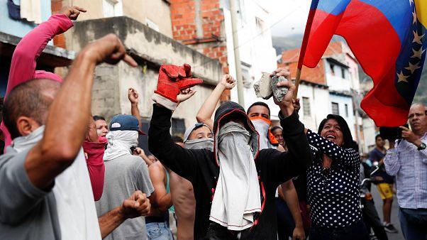 La violencia vuelve a las calles venezolanas en medio de la lucha de poderes del Estado