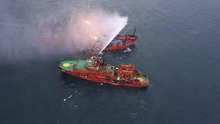 Türk mürettebatın da bulunduğu yanan gemiler ABD yaptırımlarına takılmış