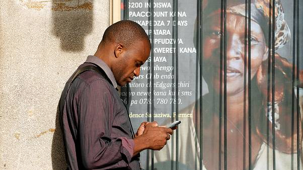 Zimbabve'de hükümetin emriyle kesilen internet yargı kararıyla geri geldi