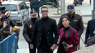 Роналду и Алонсо судят за неуплату налогов
