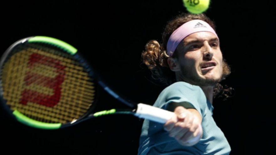 Melbourne: Cicipasz már az elődöntőben