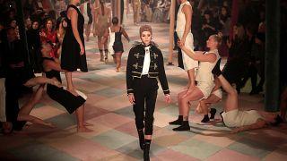 Haute Couture in Paris: Dior lädt in den Zirkus ein