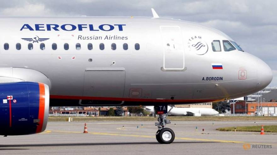 Kokpite girmeye çalışan sarhoş yolcu Rus uçağına zorunlu iniş yaptırdı