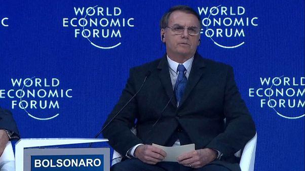 """Bolsonaro Davosban: """"Megfékezzük a korrupciót"""""""