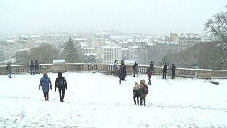 Paris turns white in first snowfall of the season
