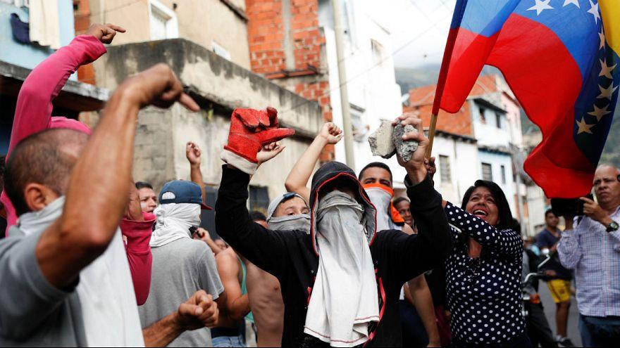 مایک پنس در آستانه راهپیمایی مخالفان در ونزوئلا: با شماییم تا آزادی